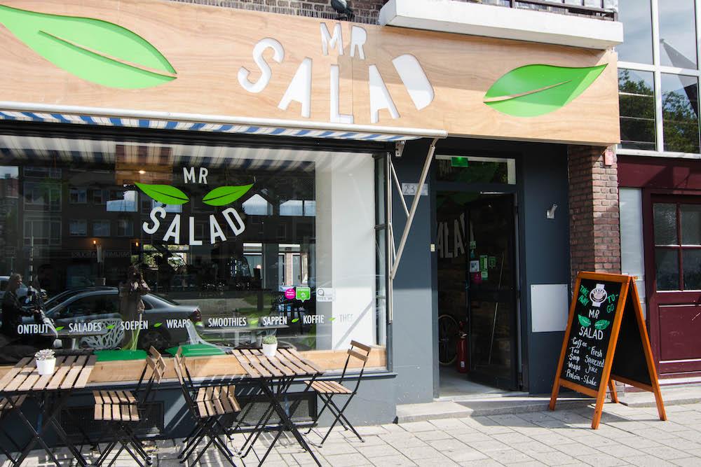 Gezond eten in Rotterdam bij MR Salad. Lekkere verse salades in Rotterdam kan je halen bij MR Salad