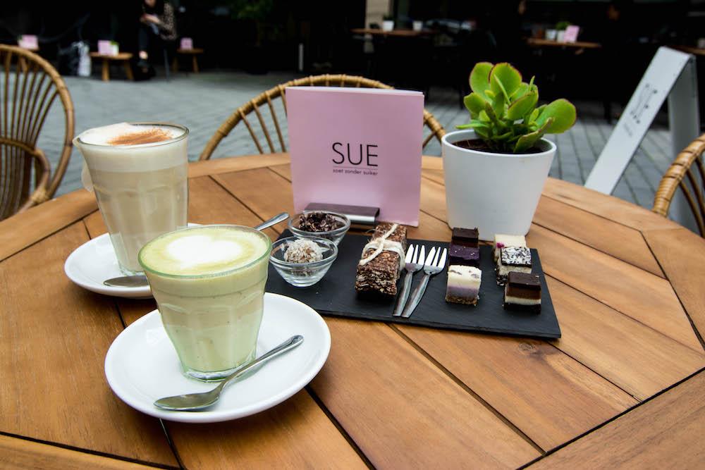 SUE in Rotterdam in de stad, waar je zoet zonder suiker kan eten.