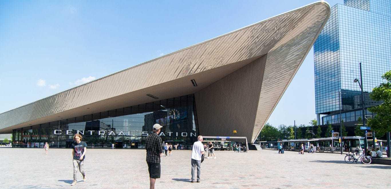 Train in Rotterdam, Trein in Rotterdam, Openbaar vervoer in Rotterdam, reizen in Rotterdam, travelling in Rotterdam, Rotterdam Centraal Station, treinen in Rotterdam